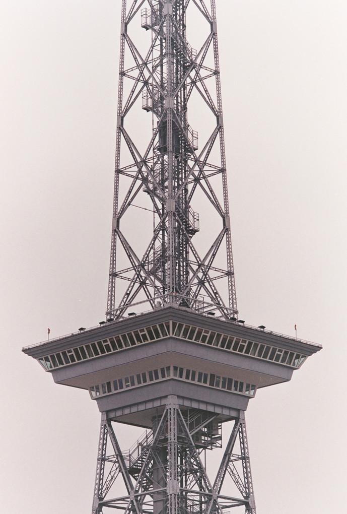 Funkturm 2 / Canon AE-1 / Color 200