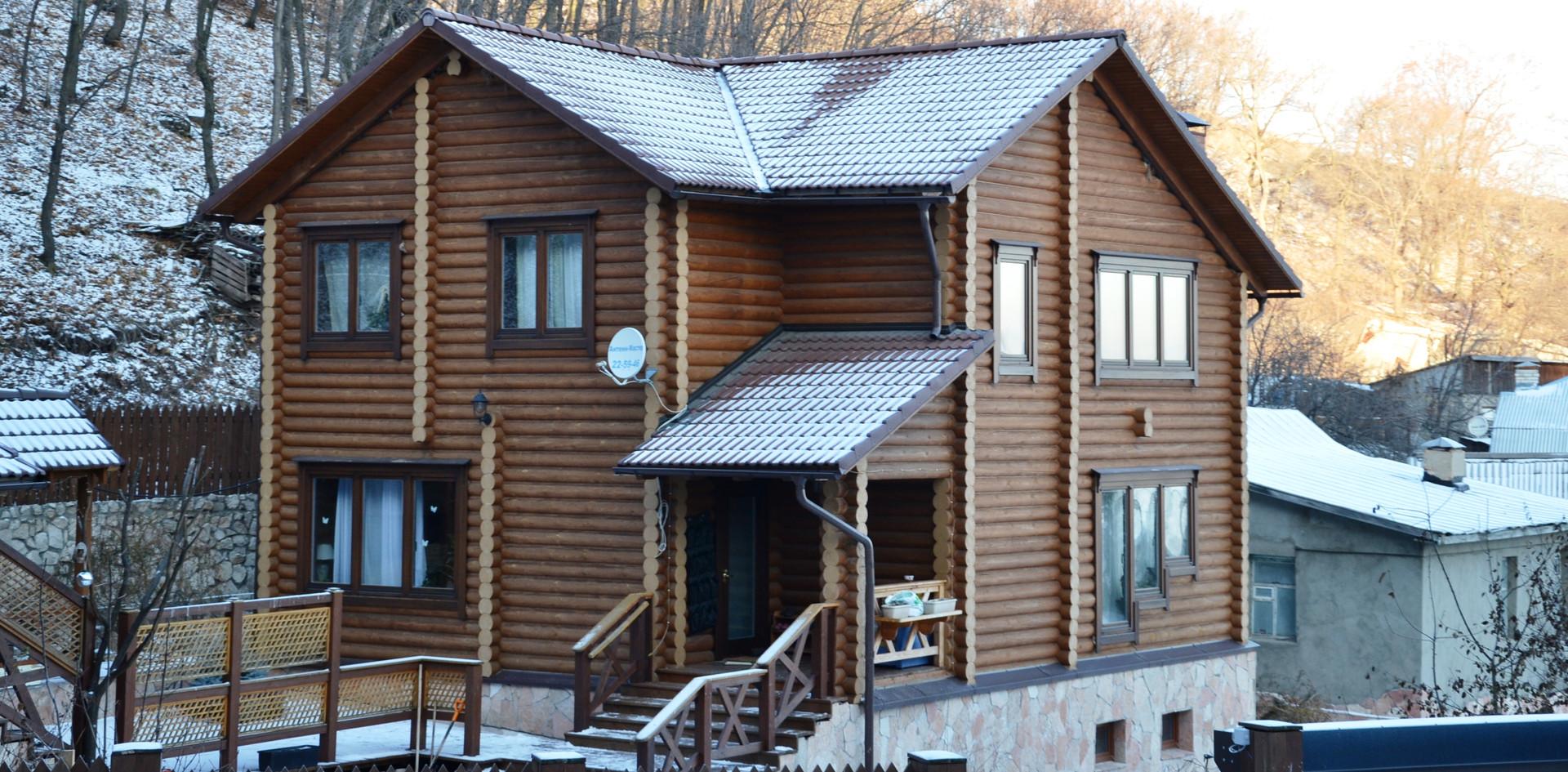 Дом из бревна 270 м2