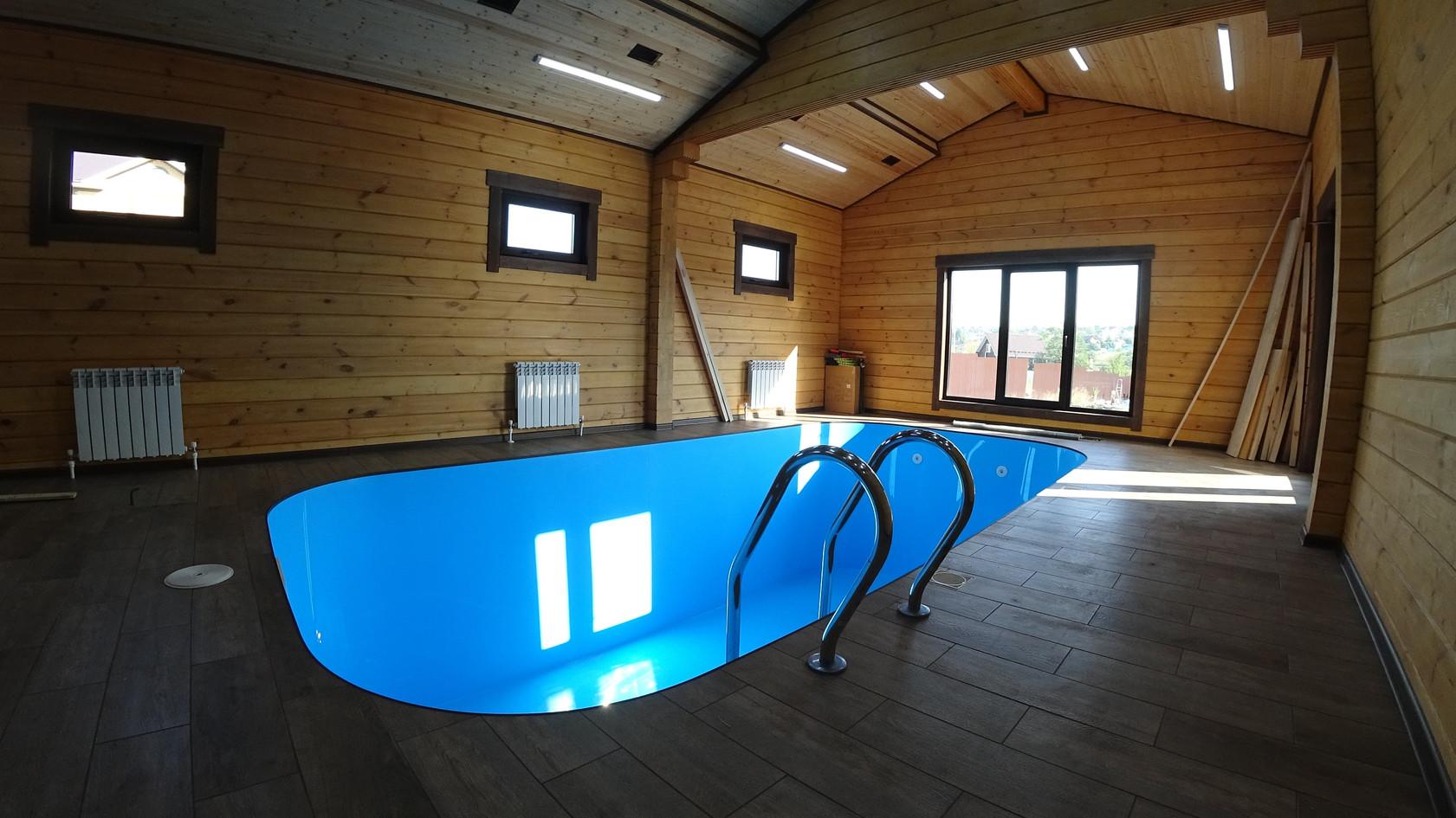 Дом из Клееного бруса с бассейном