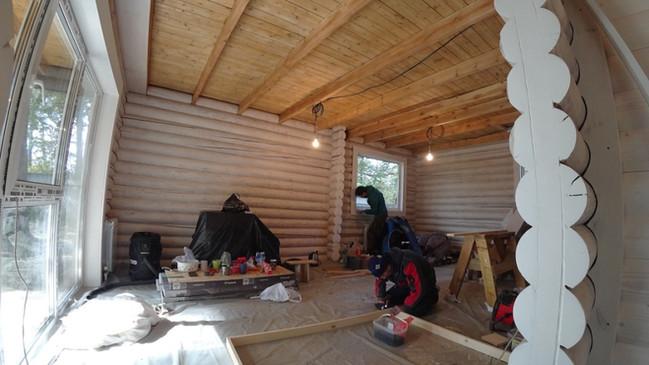 Процесс отделки деревянного дома