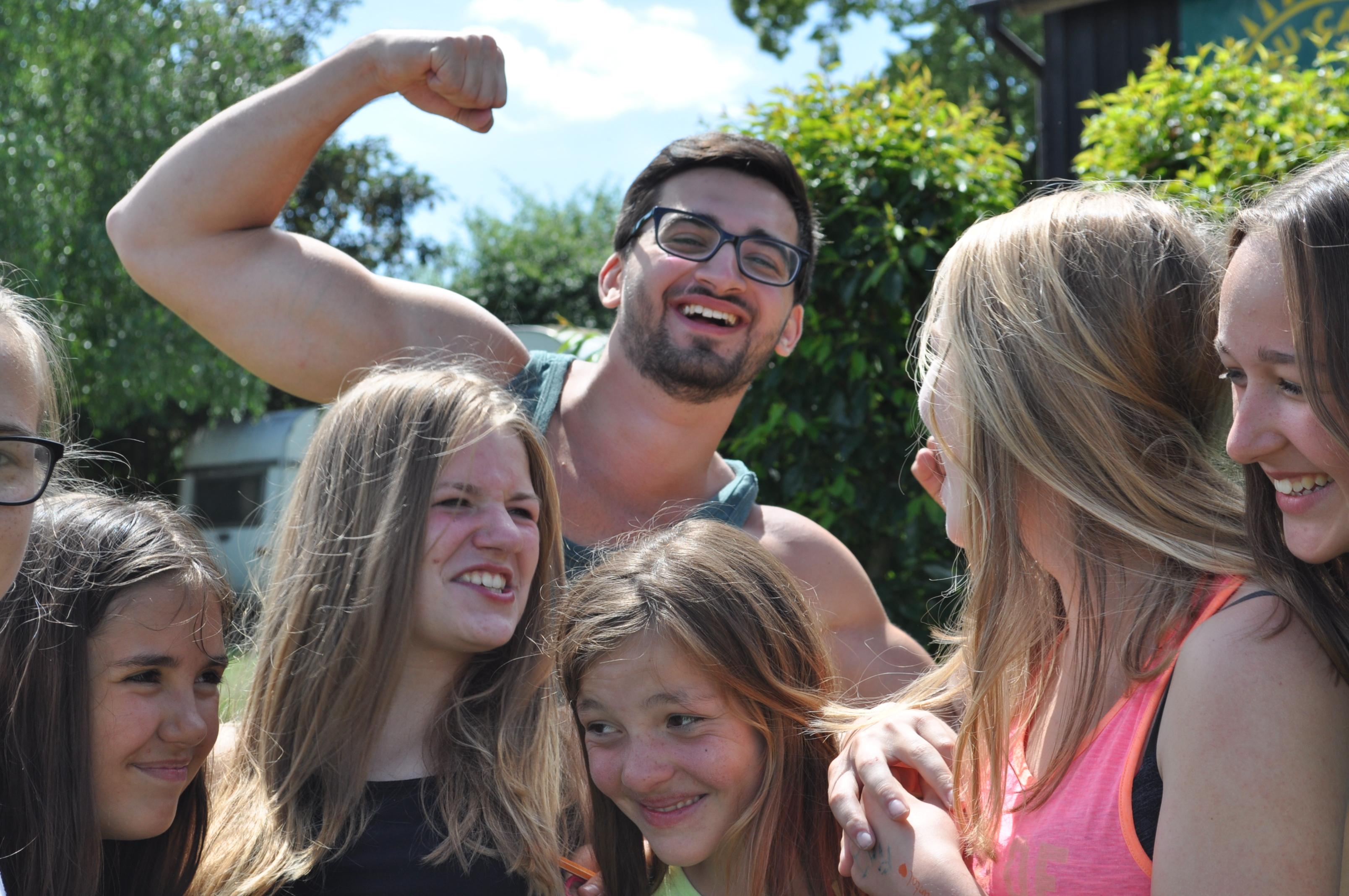 Dani und seine Mädels