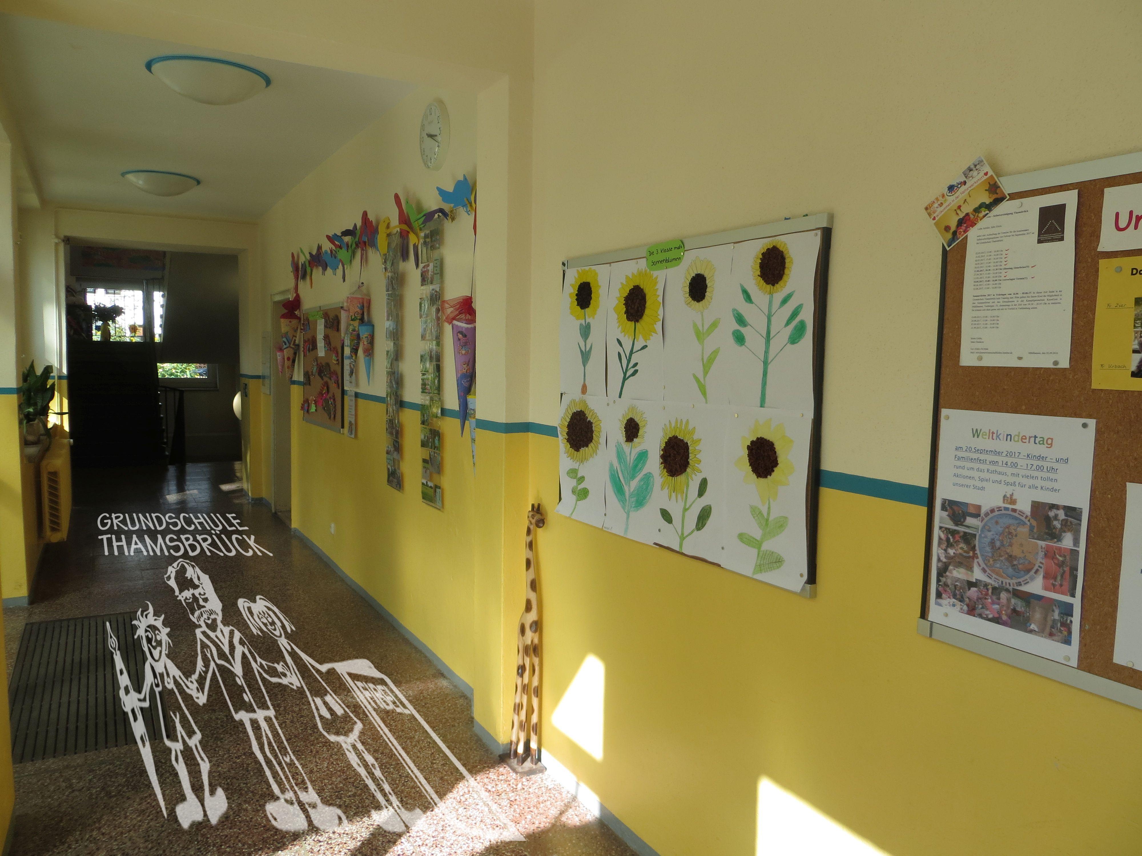 Infowand und Ausstellung Hort