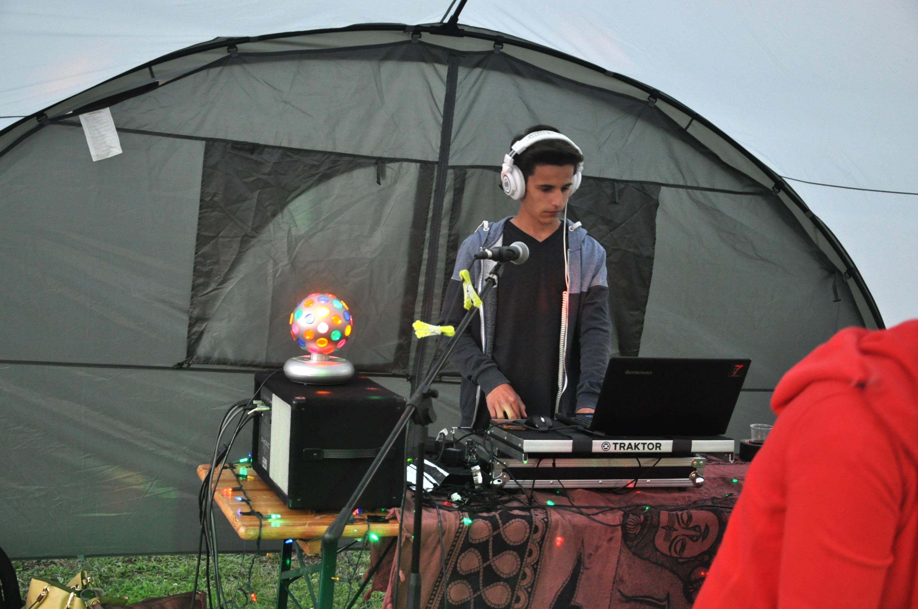 Ey DJ! -