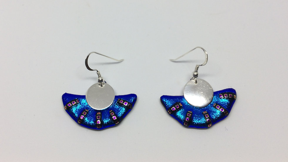 Earrings: semicircles