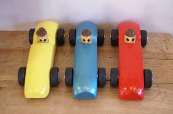 Houten raceauto's