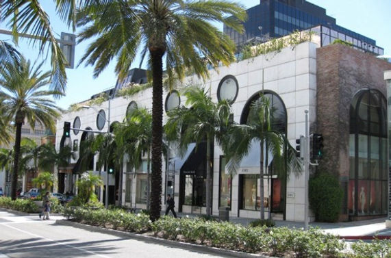 Building in rodeo drive_edited.jpg