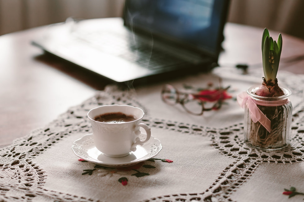 cup_of_coffee_flower_and_laptop_2.jpg