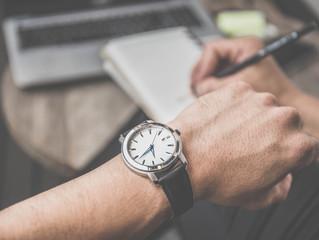 É POSSÍVEL conciliar o trabalho com a carreira de escritor?