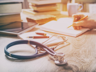 Como um livro pode alavancar a carreira de um Médico
