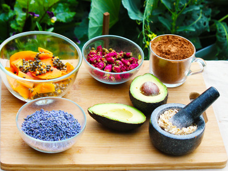 How To Use Fresh Food From Your Kitchen For Glowing Skin