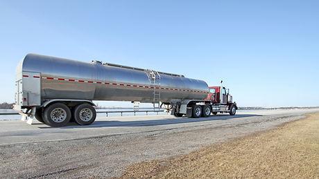 油トラック