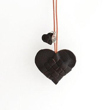 Secret Heart i brunt skind