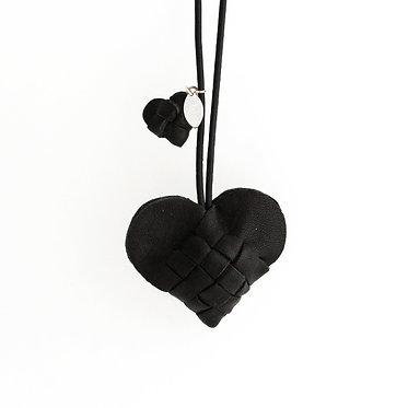 Secret Heart i sort skind