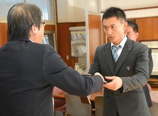 矢吹栄希くん(3年)が表彰 学生野球協会の優秀選手