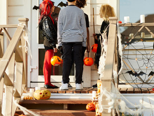 3 Trick or Treating Safety Tips for a spooky (and fun) Halloween