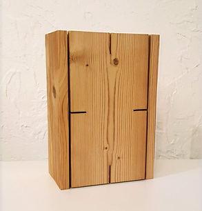 Lampe design en bois chauffé brossé