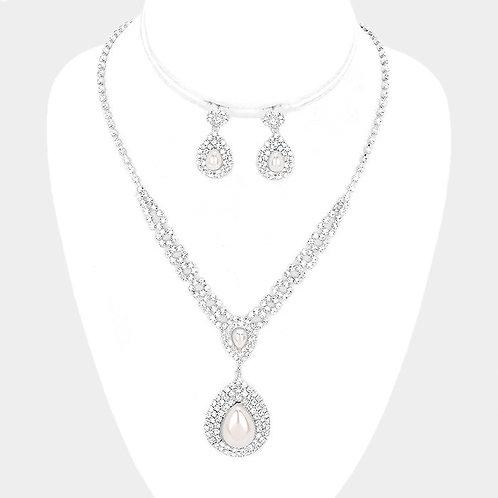 Rhinestone & Pearl Necklace Set