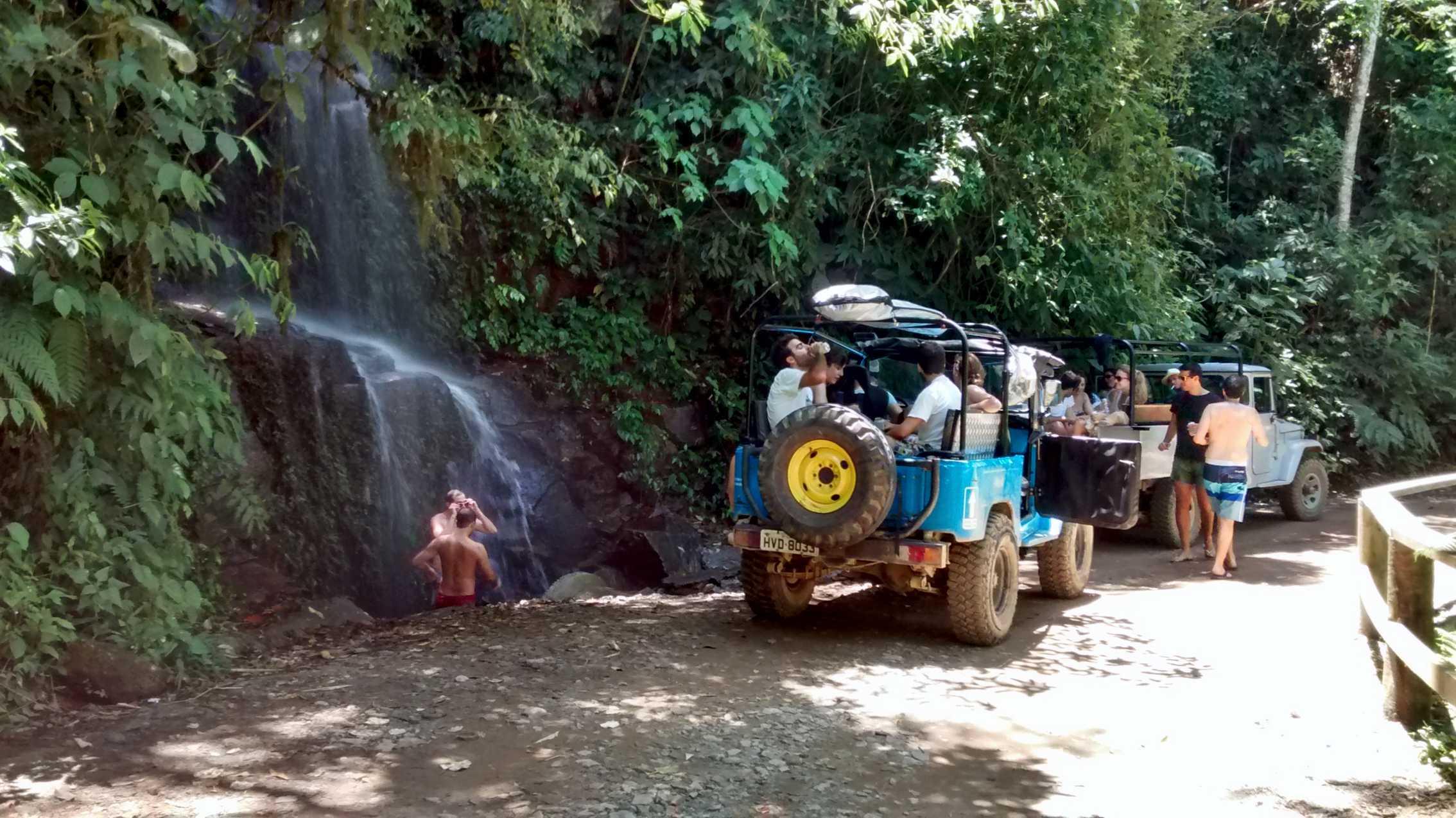 Passeio em Ilhabela chuveirinho (4).jpg