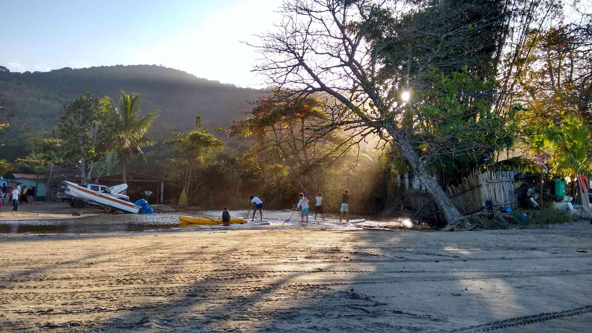 Passeios em Ilhabela comunidade tradicional.jpg
