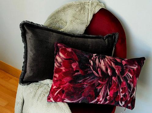 Coussin fleuri bordeaux 30x50