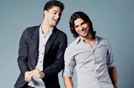 Munhoz e Mariano viram cangaceiros em novo clipe