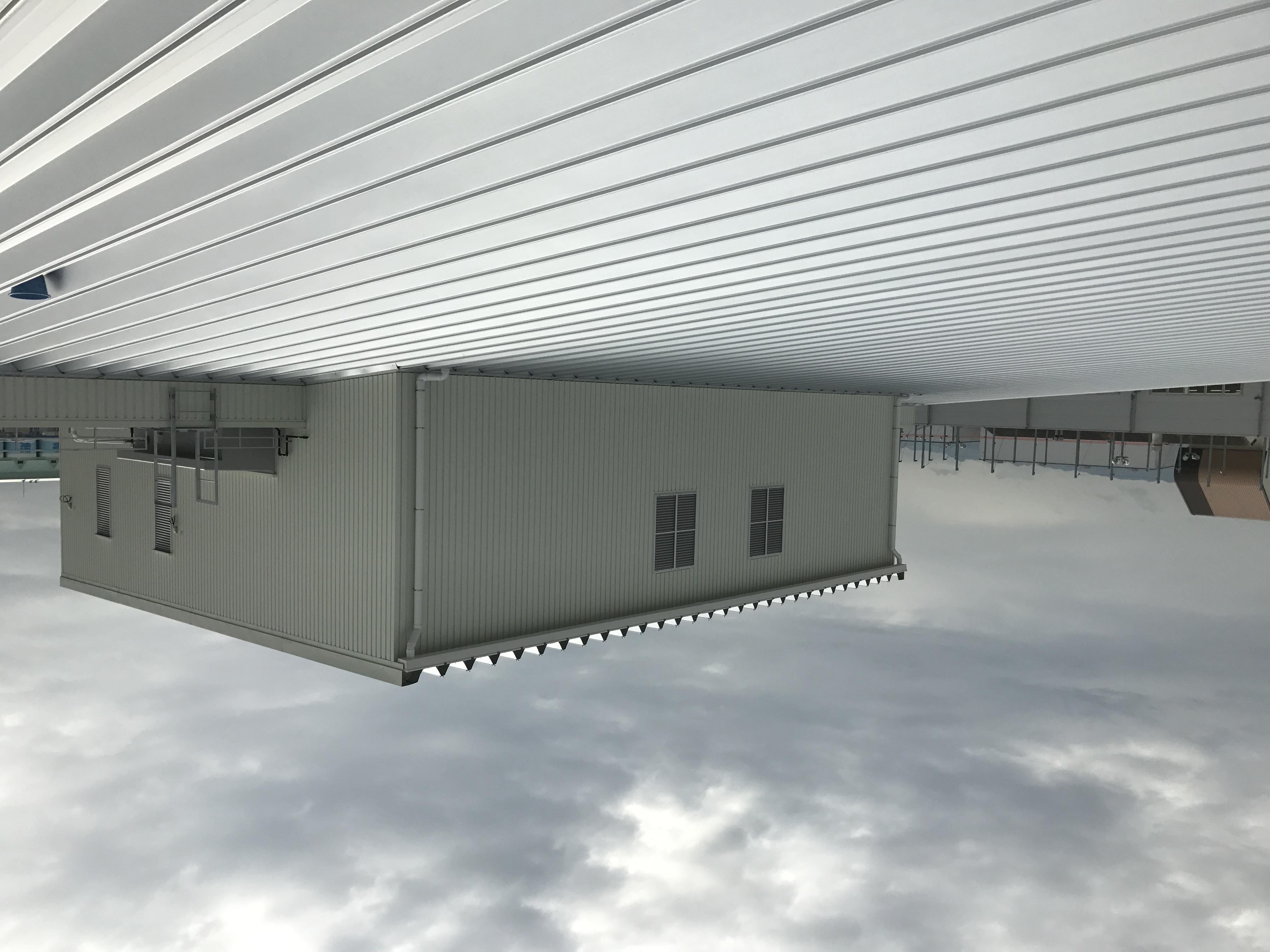 大屋根、設備室