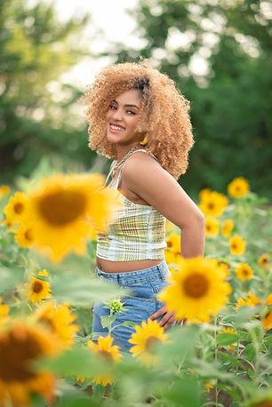 Nylah Sunflowers Burleson 2021-2.jpg