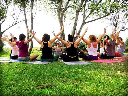 Yoga-aire-libre (1).jpg