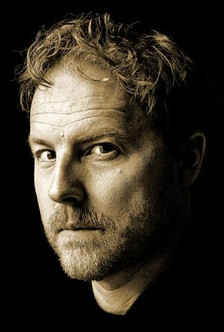 How to.. Read out Loud: Samuel West