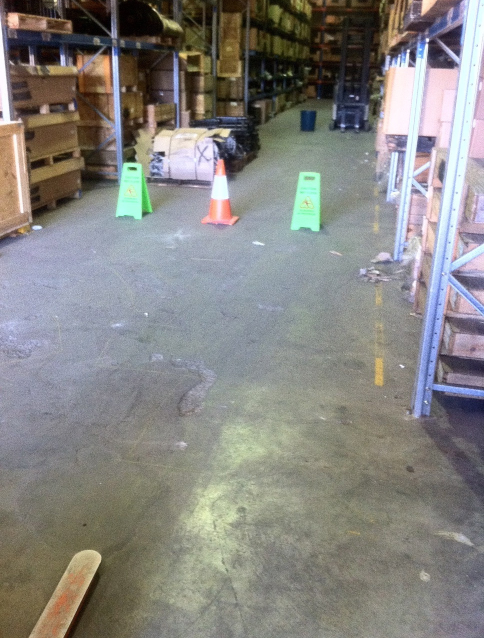 Conspar conducts floor repairs for factories and warehouses affected by mechanical and chemical abrasion. It also provides custom-made protective floor coatings for long term maintenance.