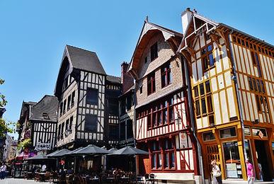 Troyes_Place_Alexandre-Israël_4.jpg