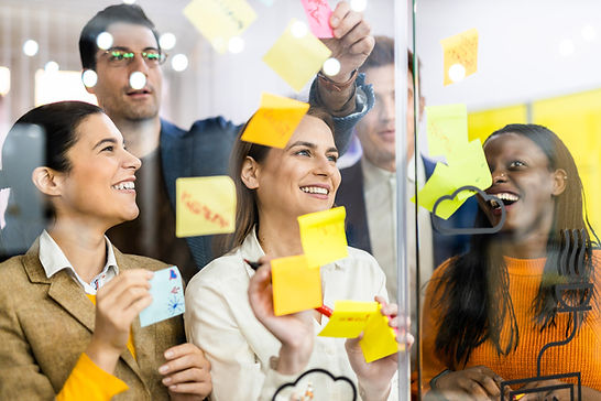 project-managers-employees-brainstorming