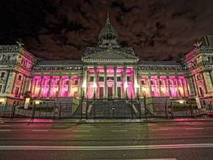 Se iluminarán de rosa monumentos emblemáticos por el Día Mundial del Cáncer de Mama