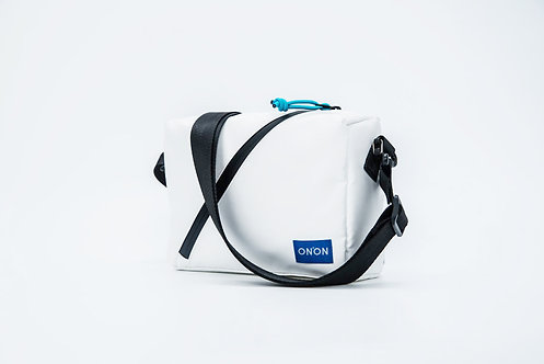 ONNON@ CURVE Premium Crossover Body Bag - WHITE