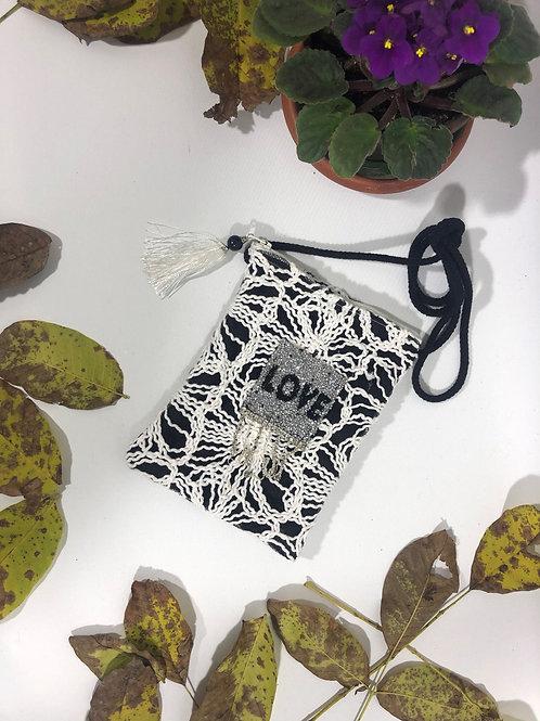 Pamuklu Love Tasarımlı Mini Çanta