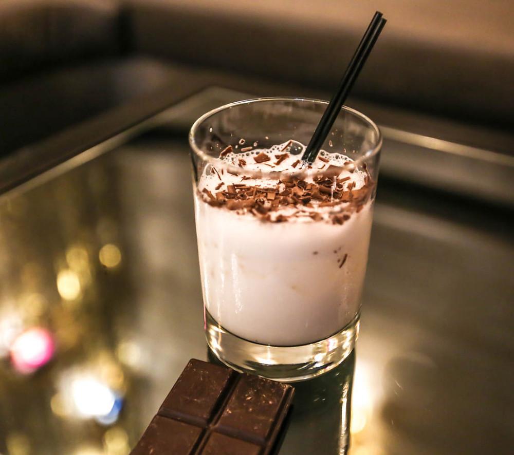 Cocktail-Coconut-Lustre.jpg