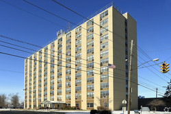 Lakeview Plaza Apartments