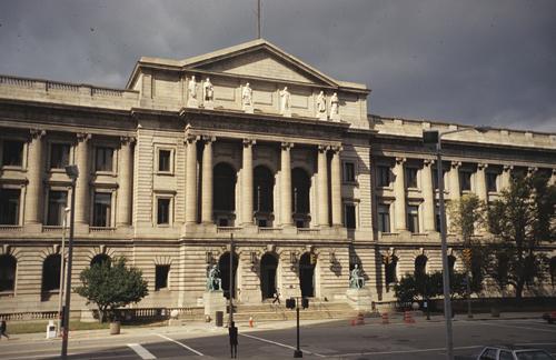 Lakeside Courthouse