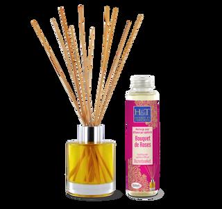 Packaging de l'huile essentielle Bio à diffuser Bois de Roses. Étiquette flacon, étui cartonné et sérigraphie du diffuseur en verre