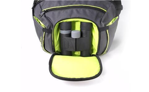 Intégration d'une poche à coque semi-rigide thermoformée pour protéger les objets fragiles contre les chocs.