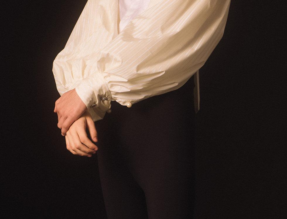 Iridescence Bouffant Sleeve