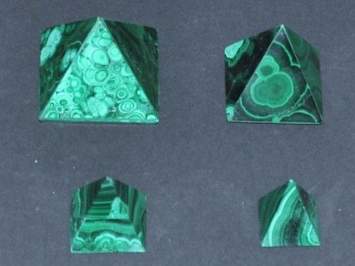 pirâmide em malaquite