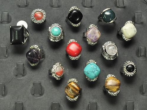 anéis em metal e pedra ajustaveis