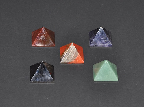 pirâmide em pedra