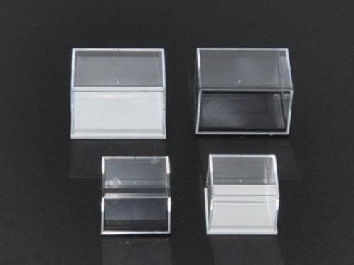 caixa de plástico e acrilico