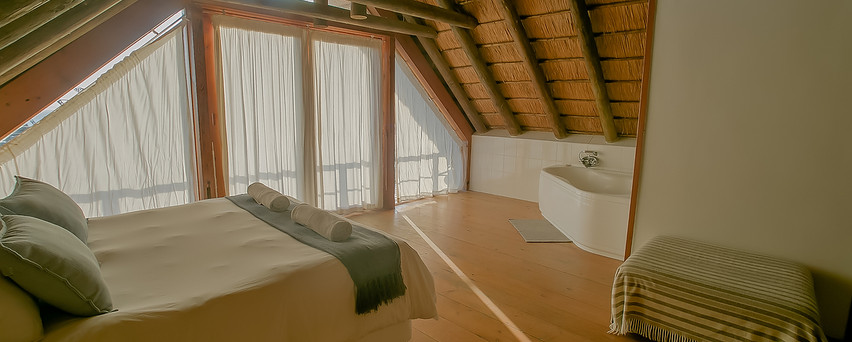 Main Beach House Master Bed Room