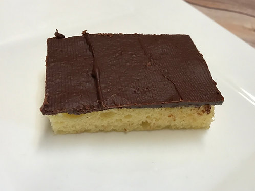 Yellow Cake Bars With Chocolate Frosting (32-Count)