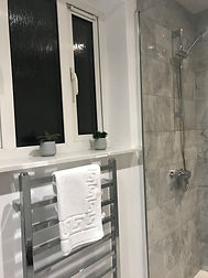 Ravenswood Guest House room one shower