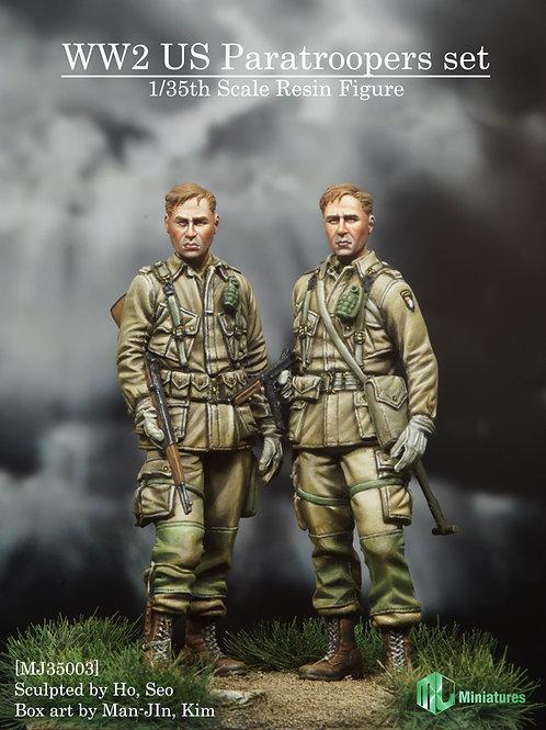 WW2 US Paratroopers set