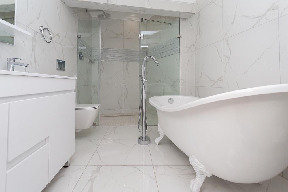 Vessel-Sink-and-Frame-less-Shower-No-Bathtub-De-Witt-Bathrooms-Blog-Image1